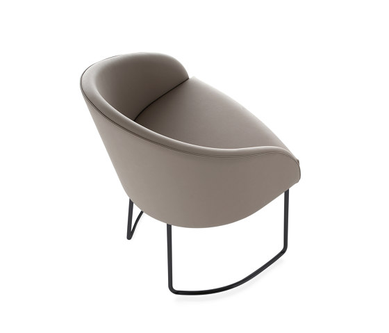Kameo Chair by Kastel   Chairs