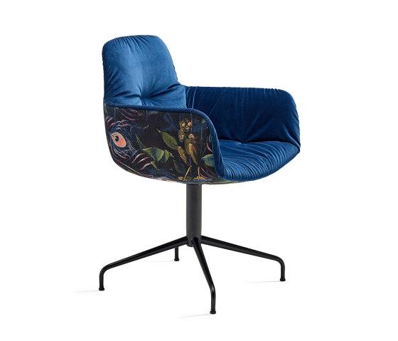 Leya | Armchair High with trestle leg by FREIFRAU MANUFAKTUR | Chairs