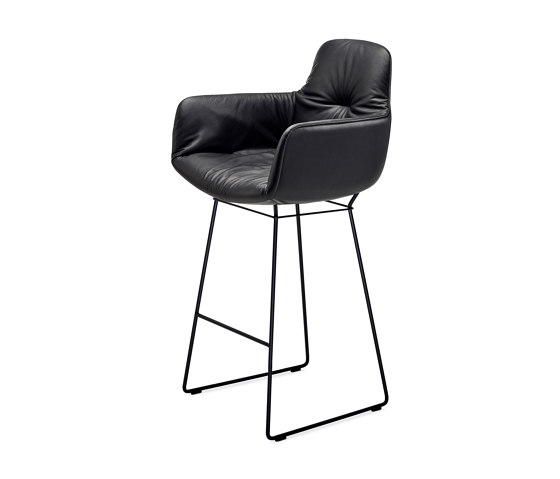 Leya   Counter Armchair High with wire frame by FREIFRAU MANUFAKTUR   Counter stools