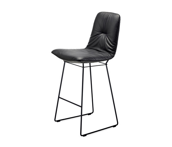 Leya | Counter Chair High with wire frame by FREIFRAU MANUFAKTUR | Counter stools