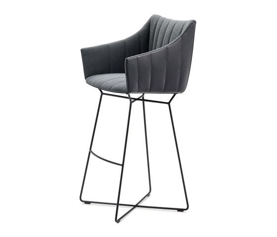 Rubie | Bar Armchair High with wire frame by FREIFRAU MANUFAKTUR | Bar stools