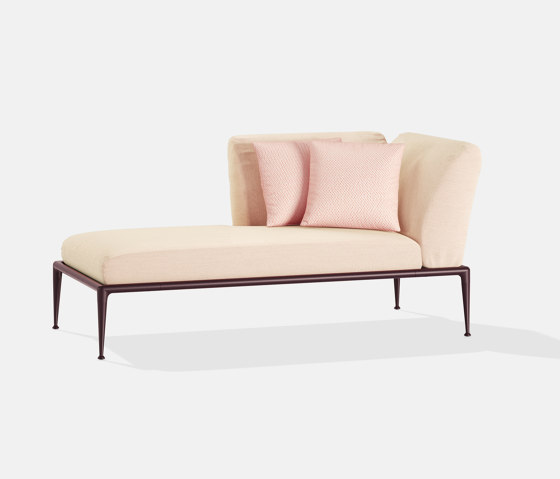 New Joint dormeuse by Fast | Chaise longues