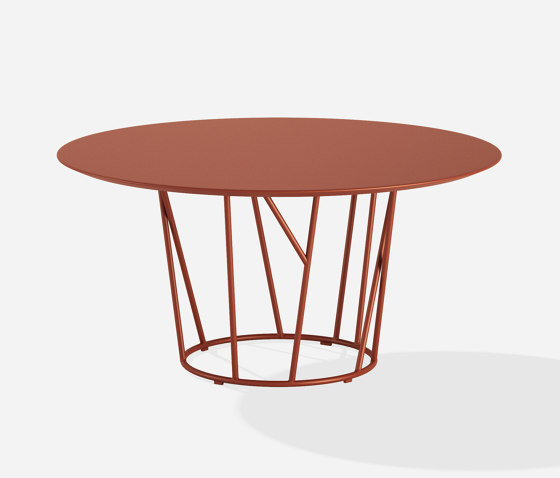 Wild Round table by Fast | Dining tables