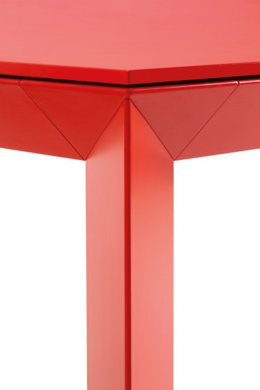 Diamante by Pointhouse | Dining tables