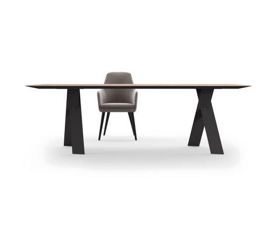 Tailor Table by Presotto | Dining tables