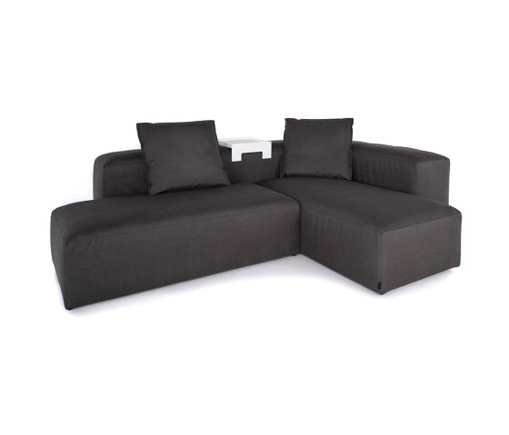 Liberty Outdoor | 2-in-1 Lounge by IKONO | Sofas