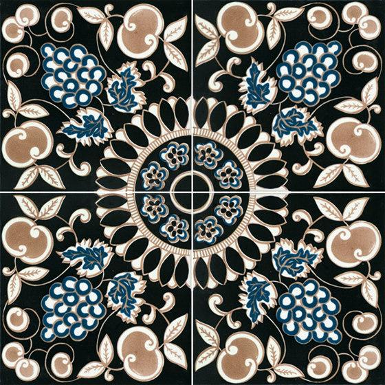 Fiori Scuri Pergolato Nero by Ceramica Francesco De Maio | Ceramic tiles