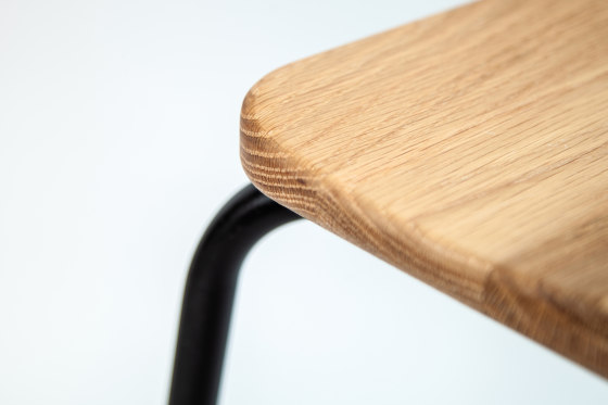 Milne | Chair by Liqui Contracts | Chairs