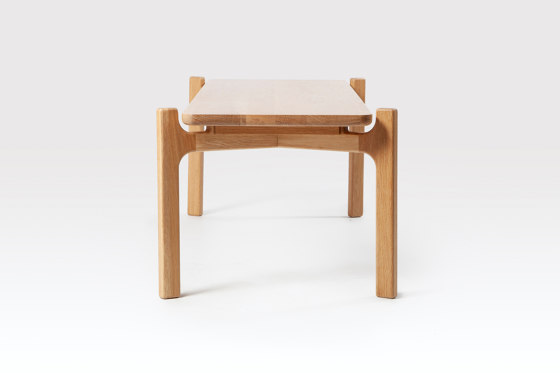 Shaw | Coffee Table von Liqui Contracts | Couchtische
