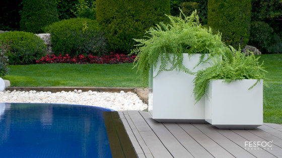 PAINTED STAINLESS STEEL POTS by Fesfoc | Plant pots