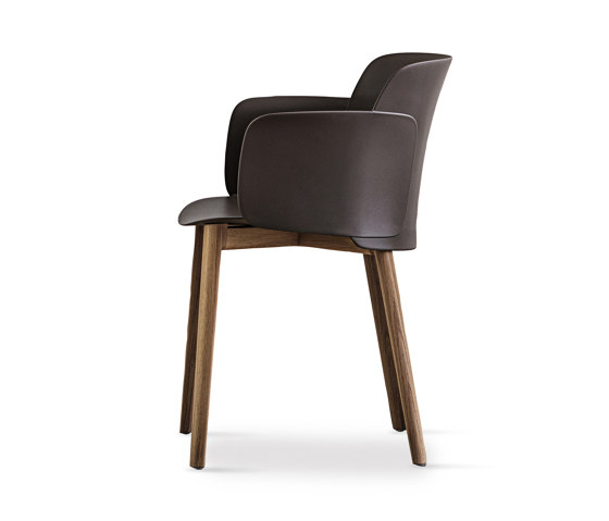 Paper | chair with solid oak wooden frame by Desalto | Chairs