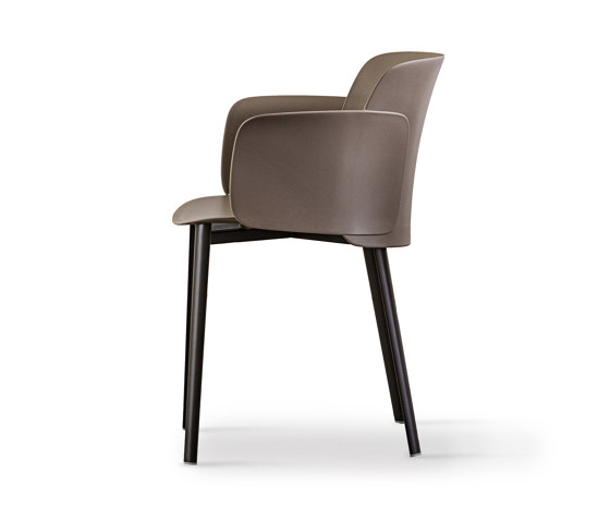 Paper | chair with steel frame elliptical legs by Desalto | Chairs