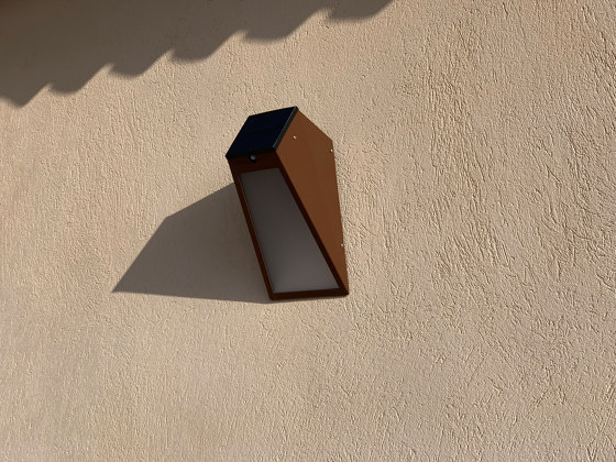 SOLAR wall lamp | APS 025 by LYX Luminaires | Outdoor wall lights
