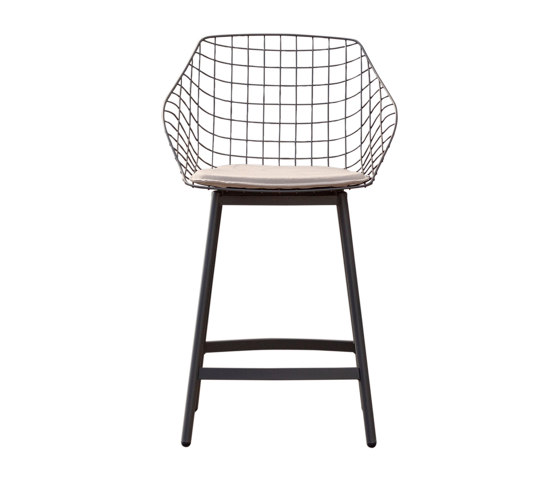 Canasta with cushion by Musola | Bar stools