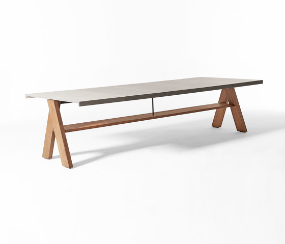 Joi Open Air dining table by Meridiani   Dining tables