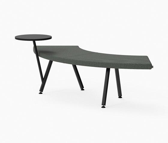 Autobahn, 90˚ Curved seat with floating table von Derlot | Sitzbänke