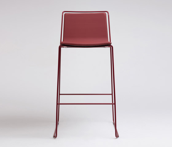 Alo Stool by ONDARRETA | Bar stools