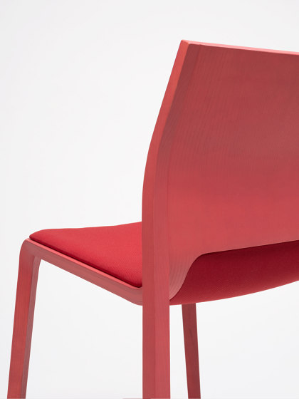 Silu Chair by ONDARRETA | Chairs