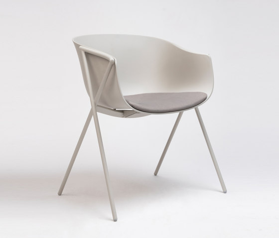 Bai Chair by ONDARRETA | Chairs