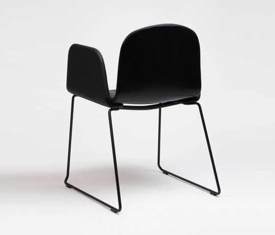 Bob XL Sled Chair With Armrests by ONDARRETA | Chairs