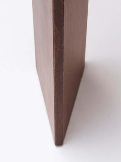 Iru Table by ONDARRETA | Dining tables