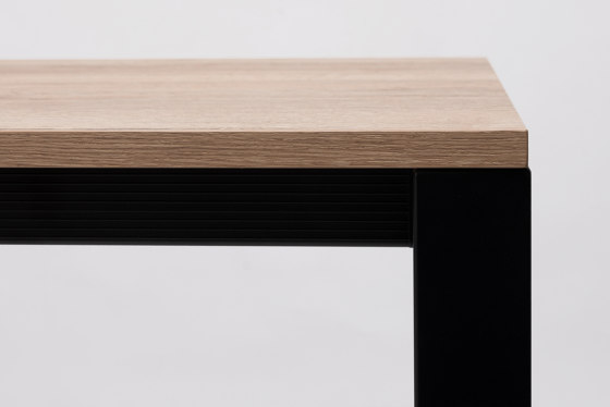 Punto Table by ONDARRETA | Dining tables