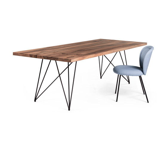 GN 01 Stilt Table by Janua | Dining tables