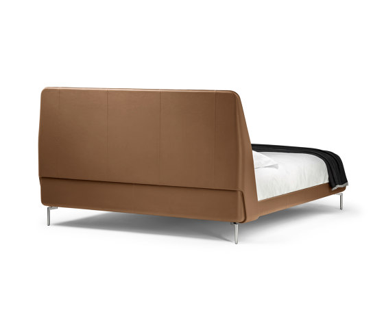 Coupe by Poltrona Frau | Beds