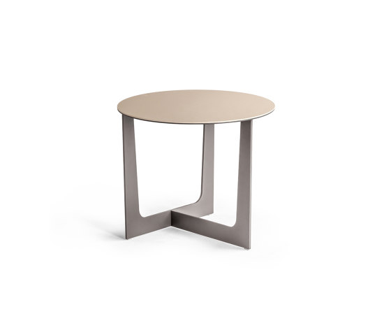 Ilary by Poltrona Frau | Side tables