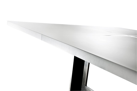PLUSTABLE by steininger.designers | Contract tables