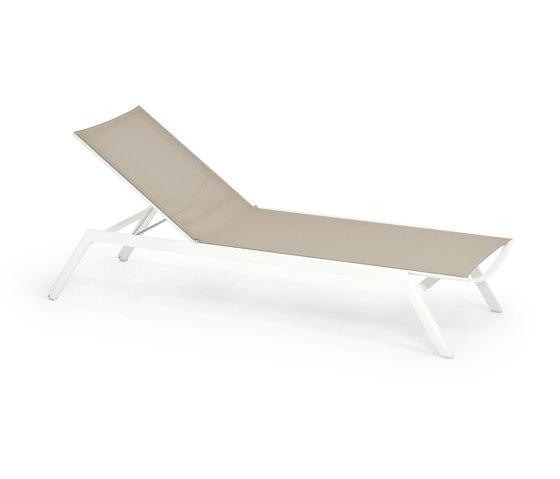 Minu Sun Lounger Custom by Weishäupl | Sun loungers