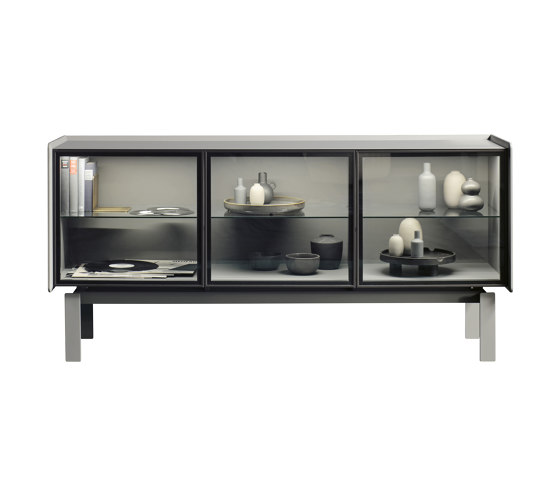 You 52 Sideboard-Vitrine von Christine Kröncke | Sideboards / Kommoden