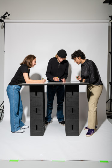 Xbrick | flomo board table by wd3 | Contract tables