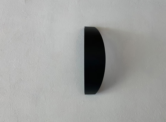 LED wall lamp | Trait de lune by LYX Luminaires | Outdoor wall lights