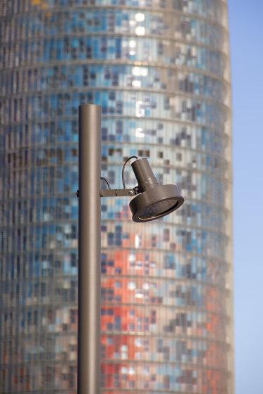 Arne direct lighting pole application by URBIDERMIS SANTA & COLE | Street lights