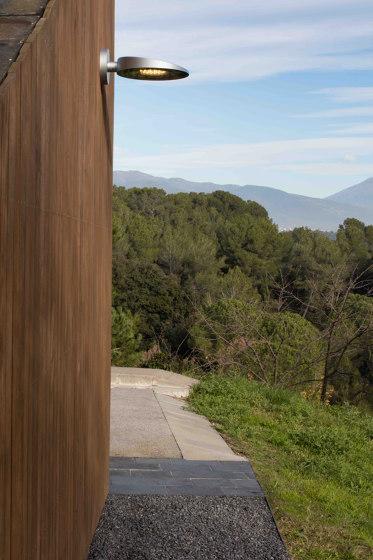 Slope wall application by URBIDERMIS SANTA & COLE | Outdoor wall lights