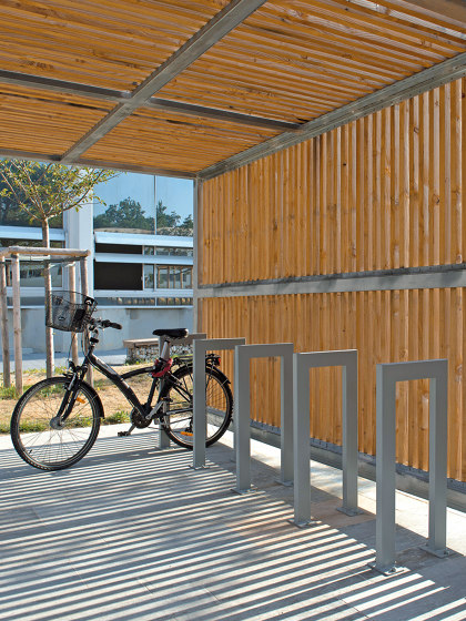 Cinéo Bike Rack Low by UNIVERS & CITÉ | Bicycle stands