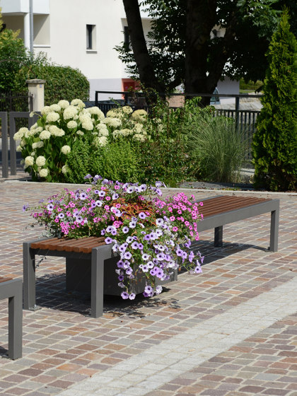 Cinéo Bench seat & Planter by UNIVERS & CITÉ | Benches
