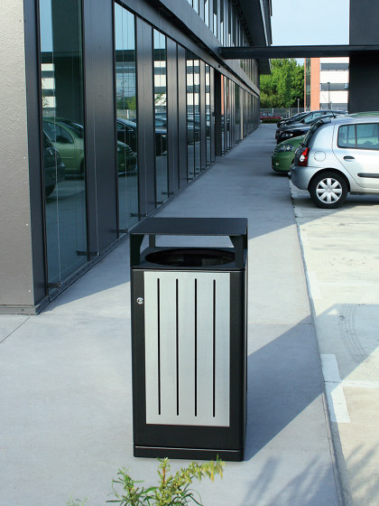 Fusion Bin with high lid by Univers et Cité | Waste baskets
