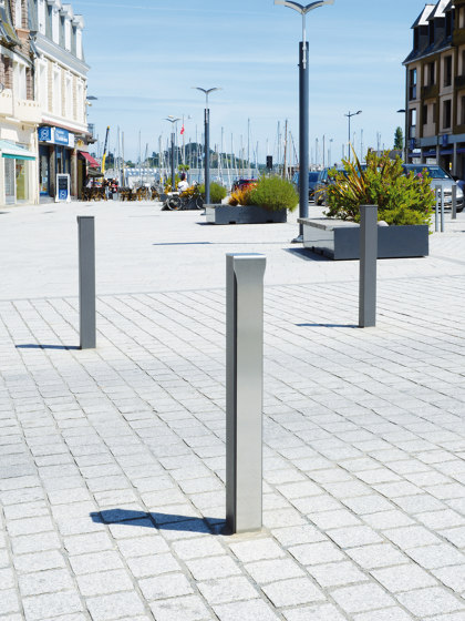 Fusion Bollard by UNIVERS & CITÉ | Bollards
