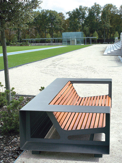 Néo Bench by UNIVERS & CITÉ   Benches