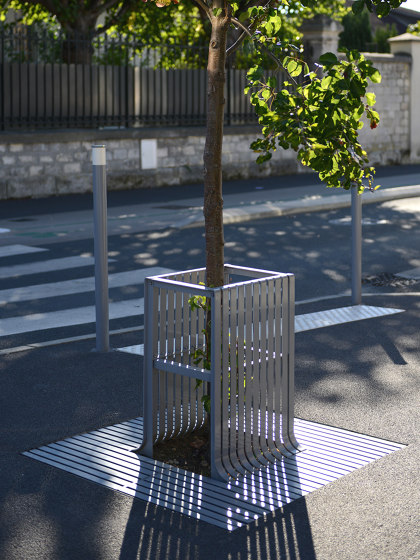 Synergie Tree Guard by Univers et Cité | Tree guards