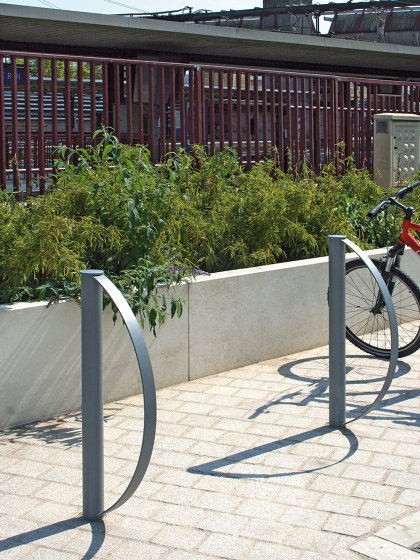 Tiby Bike Rack by Univers et Cité | Bicycle stands