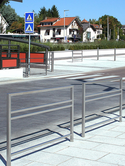 Vision Barrier by Univers et Cité | Railings / Balustrades