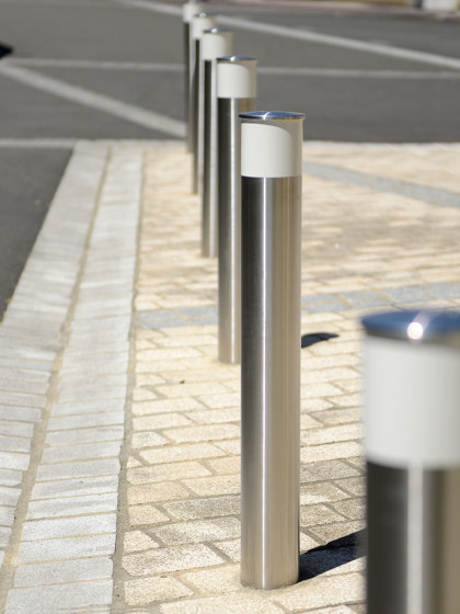 Vision Bollard by UNIVERS & CITÉ | Bollards