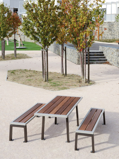 Zéo Table by UNIVERS & CITÉ | Dining tables