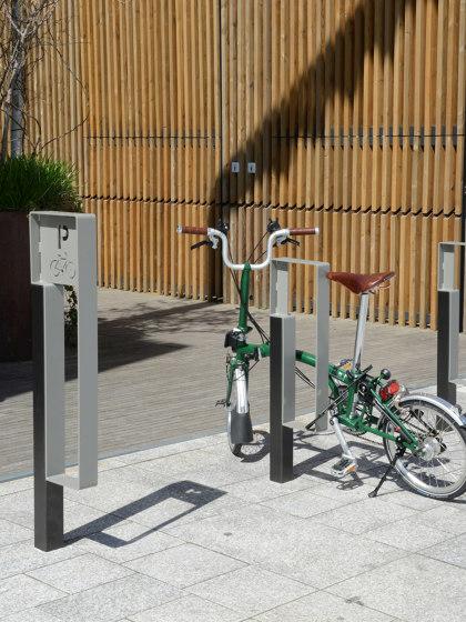 Zéo Bike Rack by Univers et Cité | Bicycle stands