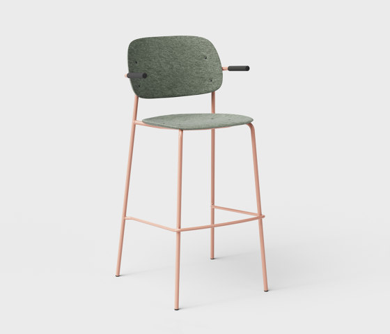 Hale PET Felt Bar Stool With Armrests by De Vorm | Bar stools