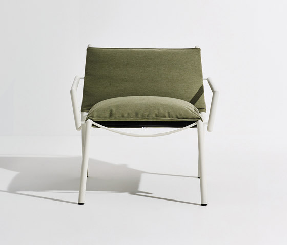 Eleven | Armrest Lounge Chair (Upholstered) by Terraforma | Armchairs
