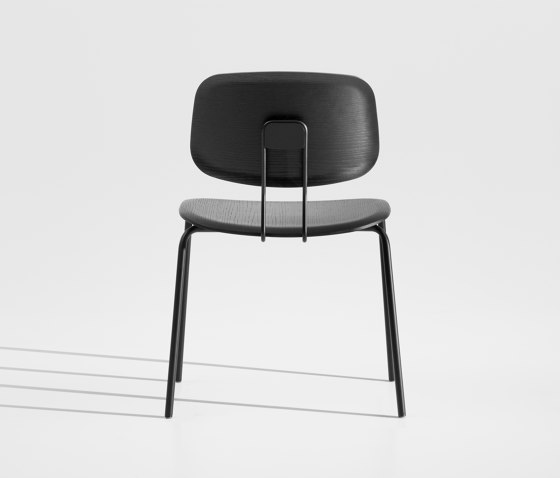 Okito Ply Dining by Zeitraum | Chairs